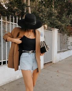 Cool outfit idea to copy ♥ For more inspiration join our group Amazing Things ♥ You might also like these related products: - Jeans ->. Blazer Outfits For Women, Outfits With Hats, Date Outfits, Cute Outfits With Shorts, Girl Outfits, Chic Summer Outfits, Cute Casual Outfits, Spring Summer Fashion, Style Summer
