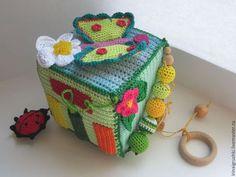 Crochet Baby Toys, Crochet Gifts, Baby Knitting, Love Crochet, Crochet For Kids, Crochet Ring Patterns, Häkelanleitung Baby, Activity Cube, Baby Quiet Book