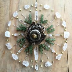 Nature and stone mandala - crystal grid with clear quartz, rosemary for protection and jasper for peace. How beautiful Crystal Magic, Crystal Grid, Crystal Healing, Crystal Castle, Clear Crystal, Crystals And Gemstones, Stones And Crystals, Chakra Crystals, Do It Yourself Inspiration