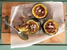 Gem squash stuffed with bobotie Minced Beef Recipes, Mince Recipes, Banting Recipes, Ground Beef Recipes, Cookbook Recipes, Cooking Recipes, Healthy Recipes, South African Recipes, Man Food