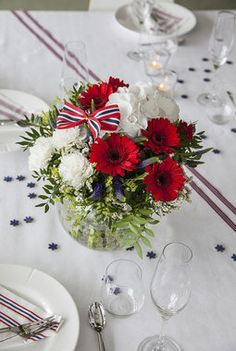 Constitution Day, Public Holidays, Style And Grace, Norway, Summertime, Table Settings, Entertaining, Table Decorations, Weddings