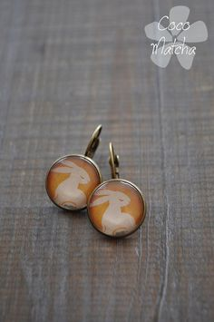 Cabochon earrings  Boucles d'oreilles lapin jaune par CocoMatcha