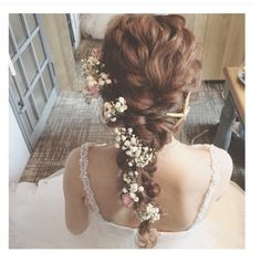 Beautiful hair with flower Bridal Hairdo, Hairdo Wedding, Bridal Hair And Makeup, Dress Hairstyles, Bride Hairstyles, Wedding Images, Wedding Styles, Hair Arrange, Floral Hair