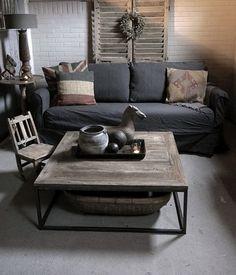 vierkante Salontafel gemaakt van oud elmwood hout