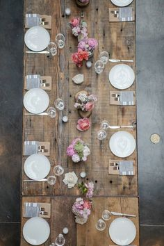 Mix of rustic and romance {Ivie Joy Floral Arts + Events} #weddings