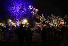 JULEMARKED I TIVOLI FRIHEDEN: Alle karusellene i tivoliet er åpne, som normalt. Foto: Tenk Koffert Aarhus, Concert, Viajes, Concerts