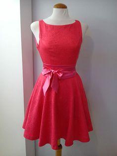 Vestido corto fucsia Gowns, Animal, Formal Dresses, Cute, Collection, Fashion, Templates, Dress Patterns, Stripes