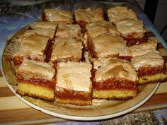 Prajitura cu gem de caise Romanian Desserts, Romanian Food, Romanian Recipes, My Favorite Food, Favorite Recipes, Cake Recipes, Dessert Recipes, Food Cakes, Cake Cookies
