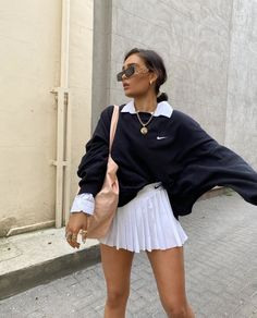 Image in fashion🎀 collection by on pix wallpapers pix wallpapers Indie Outfits, Retro Outfits, Cute Casual Outfits, Fall Outfits, High Fashion Outfits, Cute Vintage Outfits, Casual Skirt Outfits, Fasion, White Girl Outfits