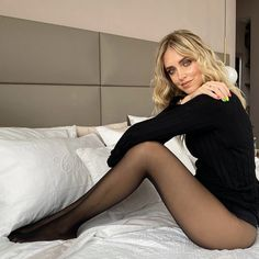 Shop Woman's Legwear and Beachwear on Calzedonia Nylons, Pantyhose Outfits, Black Pantyhose, Black Tights, Lady Stockings, Nylon Stockings, Lovely Legs, Great Legs, Shaping Tights