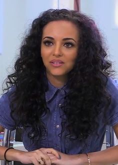 """Get the Look: Jade's Natural Curls Although this is Jade's natural hair, you can still recreate it!  What You'll Need  Curling iron or rollers (about 3/4"""") bobby pins/claw clips heat protectant spray/smoothing cream or oil rat tail comb wide tooth comb  How-to:  Using the rat tail comb, section your hair in layers. If using an iron, spray heat protectant and begin curling, wrapping the hair around the barrel. If using rollers, apply cream or oil and begin applying the ..."""