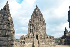 Unique Things to do in Yogyakarta, Indonesia │ Made to Travel Small Entrance, Borobudur, Strange Photos, Buddhist Temple, Lombok, Ubud, World Heritage Sites, Asia Travel, Southeast Asia