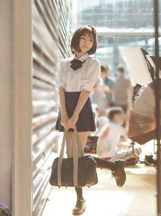 Asian Cute, Cute Asian Girls, Beautiful Asian Girls, Cute Girls, Japanese School Uniform, School Uniform Girls, School Girl Japan, Japan Girl, Pose Reference Photo