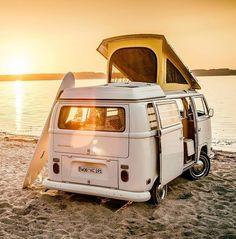 Ideas Volkswagen Campers Van Camping Road Trips For 2019 Vw Camper Bus, Vw Caravan, Kombi Motorhome, Volkswagen Bus Interior, Caravan Hacks, Combi Vw T2, Combi Ww, Van Life, Wolkswagen Van