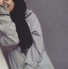 Image in hijab collection by hazel_eye_girl on We Heart It Casual Hijab Outfit, Hijab Chic, Hijabi Girl, Girl Hijab, Street Hijab Fashion, Muslim Fashion, Arab Fashion, Girl Fashion, Muslim Girls