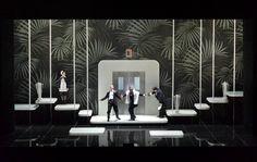 Ball im Savoy (Paul Abraham), Regie: Barrie Kosky, Bühnenbild, Licht: Klaus Grünberg, Video: Anne Kuhn + Klaus Grünberg, Kostüme: Esther Bialas, Choreografie: Otto Pichler, Komische Oper Berlin, 2013