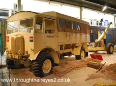 WW2 BRITISH ARMY AEC MATADOR TRUCK Vintage Trucks, Old Trucks, Dog Soldiers, Military Armor, Army Vehicles, Classic Trucks, Classic Cars, Military Equipment, British Army