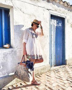 Como fazer uma mala para várias temperaturas e lugares? Uniqlo, Casual, Gucci Shoes, Beach Kaftan, Dress Up Clothes, Sweater Hoodie, Places, Random, Casual Clothes