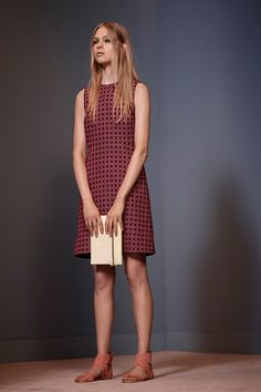 See all the Collection photos from Victoria, Victoria Beckham Spring/Summer 2014 Ready-To-Wear now on British Vogue I Love Fashion, Fashion Show, Fashion Design, Women's Fashion, Runway Fashion, Fashion Models, Victoria Beckham Collection, Resort Dresses, Feminine Dress