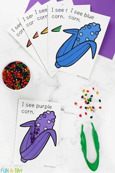 Try out some corn color sorting mats to let children practice sorting, color identification, and fine motor skills. Don't miss the free printable cards! Be sure to add this hands-on activity to your list of fall math activities for preschoolers. Early Learning Activities, Autumn Activities For Kids, Hands On Activities, Preschool Activities, Rainbow Corn, Farm Lessons, Free Printable Cards, Preschool Lesson Plans, Color Card