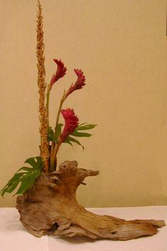 Fantasy Flow creative floral design by Faye Collins.