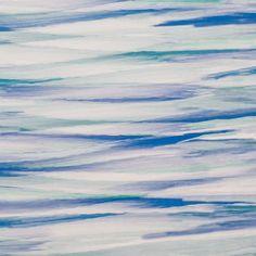 Todo o artista tem a sua tela. Em tons de azul e verde o tecido é a base da obra de arte pintada a aguarela. A sua resistência à luz é de grau 6. Pode ser usado no interior, sendo mais recomendado para artigos de exterior.
