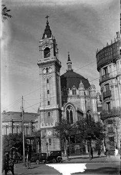 Iglesia de San Manuel y San Benito, en la Calle Alcalá, segunda mitad de la década de 1920 António Passaporte (1901-1983) Archivo LOTY. Fototeca del Patrimonio Histórico. Ministerio de Cultura.