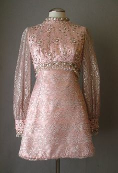 Vintage Party Dress Beaded Silver Lace Mini Small bust 36 at Couture Allure Vintage Clothing 1960s Fashion Women, 60 Fashion, Retro Fashion, Vintage Fashion, Vintage Style Dresses, Vintage Outfits, Vintage Evening Gowns, Antique Clothing, Fashion Pictures