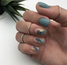 The advantage of the gel is that it allows you to enjoy your French manicure for a long time. There are four different ways to make a French manicure on gel nails. Nail Polish, Nail Manicure, Manicures, Cute Nails, Pretty Nails, Nagel Blog, Minimalist Nails, Nagel Gel, Green Nails