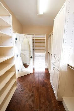 Dream Walk-in Closet Makeover. It is my dream to have a bigger walk in closet!