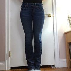 True Religion Becky cut size 26 Women's true religion Becky cut size 26, blue denim, great condition True Religion Jeans Straight Leg