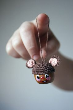 So cute, im definitely gonna have to try this using my very limited crochet skills lol.