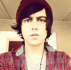 kellin quinn | Show Us Your Good Side: Kellin Quinn of Sleeping With Sirens photo We ... awesome
