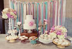 Una preciosa mesa de dulces para una fiesta vintage / A lovely sweet table for a vintage party