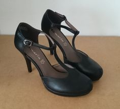 Black high heels, Tamaris