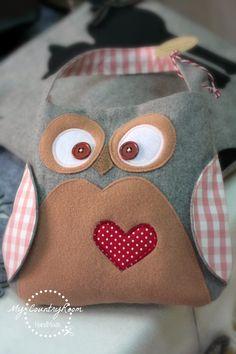 My CountryRoom: Little Bag Owl Childrens Purses, Owl Quilts, Owl Bags, Felt Owls, Cotton Crafts, Art Deco Posters, Owl Patterns, Little Bag, Kids Bags