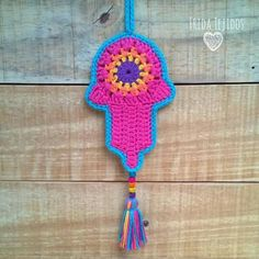 Crochet Bunting Pattern, Crochet Patterns, Crochet Home, Hand Crochet, Diy Crochet Stitches, Knitting Projects, Crochet Projects, Deco Boheme, Amigurumi Patterns