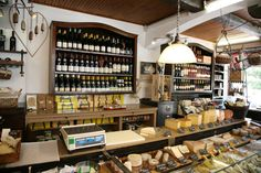 Ceneri, cheese shop in Cannse