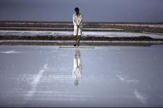 EDITOR'S PIC OF THE DAY Photo: Ingetje Tadros In the Little Rann of Kutch, India's salt producing heartland, thousands of families (incl. children as young as 10) work in the desert using a harvesting technique unchanged for centuries. Wages are low and offer few changes for the children of saltpan workers to escape a cycle of poverty and poor health. Gujarat.