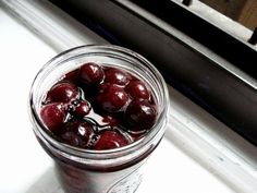 Homemade maraschino cherries without liquor or dye