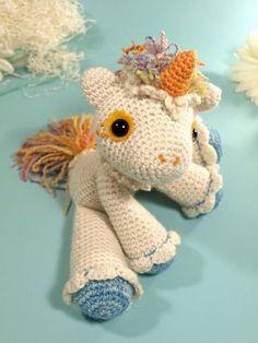 Unicornio by Dawn Toussaint