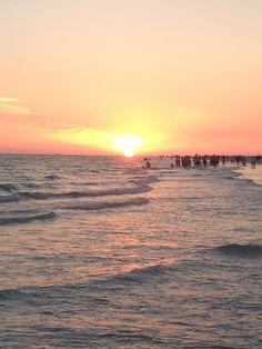 Siesta Key beach at sunset. Sarasota, Florida. Visit MustDo.com to plan your Siesta Key vacation.