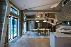 Современный стиль в доме из бруса