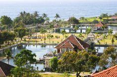 Puri Taman Ujung-Bali