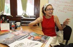 Mina Bárcenas Jiménez. Graduada de Ingeniería en Informática, ISPJAE, La Habana. Estudia Diseño Gráfico en CELA, Mérida.    Desde 1990 ha cursado diferentes talleres de Fotografía y Diseño Gráfico en Cuba y México.