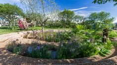 See All the World's a Stage Garden at RHS Hampton Court Palace Flower Show / RHS Gardening