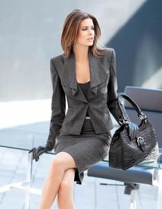 What are the ways to make a pants suit look more feminine- DesignerzCentral