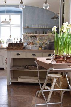 Anglická sezona...a Velikonoce Vibeke Design, Showroom, Furniture, Home Decor, Decoration Home, Room Decor, Home Furnishings, Home Interior Design, Fashion Showroom