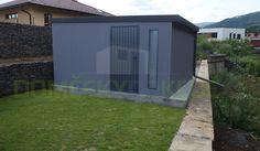 Čo hovoríte na prevedenie záhradného domčeka v tmavo-šedej omietke s antracitovými doplnkami?