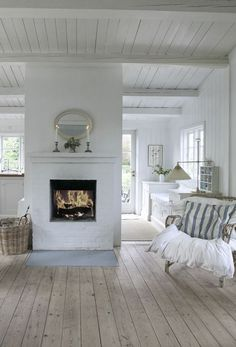 Where to use the white brick wall? 43 Ideas fot Styling Your House With White Brick Walls French Country Living Room, Living Room White, White Rooms, Country Bedrooms, Modern Country, Living Rooms, Style At Home, Floor Design, House Design